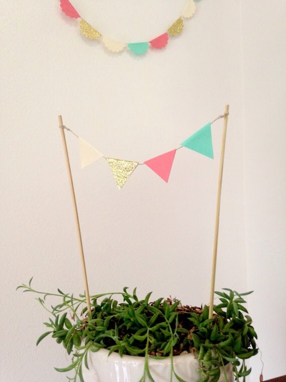 Flag Cake Topper by papercyn on Etsy