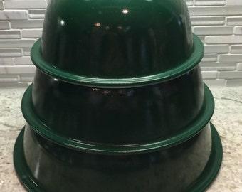 Pyrex - HTF Green Glass Bottom - 3 bowl set  - # 322, 323 & 324