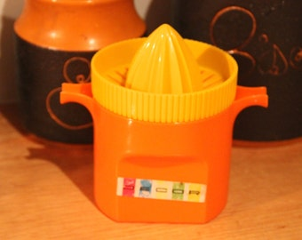 Vintage Retro ORANGE 1980's plastic DECOR Juicer