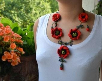 Poppy necklace, red crochet necklace, statement necklace,flower necklace, crochet jewelry, beadwork jewelry, textile necklace, cotton bijoux