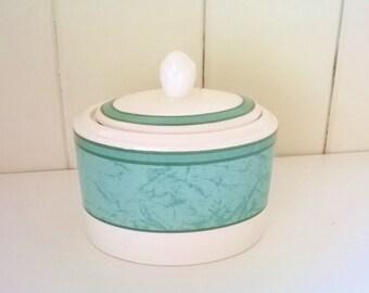 green jar Lidded jar ceramic pot green stripe trinket pot sugar bowl