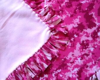 Fleece Tie Blanket/Throw - Pink Camouflage