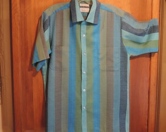 A stricking Stripe Shirt