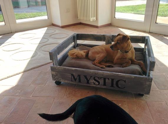 Articles similaires levrette lit fait avec oreiller de - Canisette pour chien ...