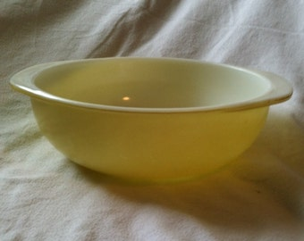 Vintage Yellow PYREX Nesting Bowl