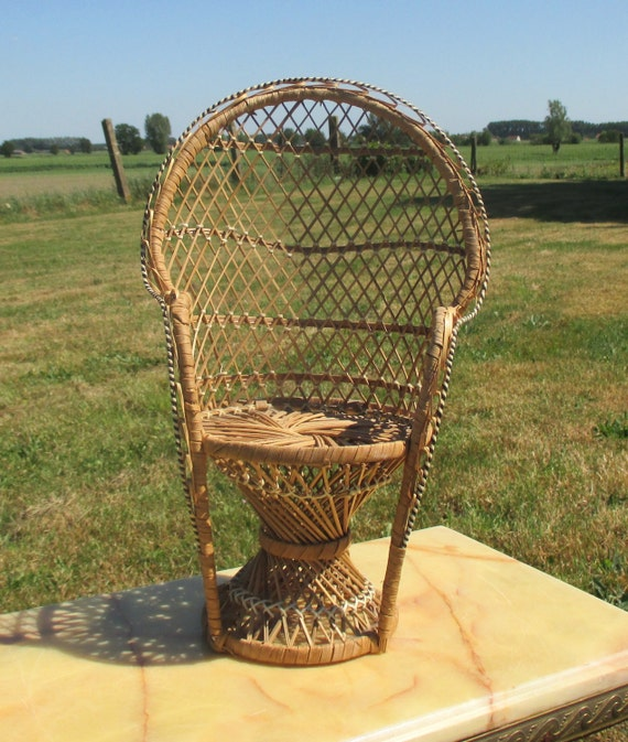Small Peacock Fan Wicker Chair Bear Doll Furniture Vintage
