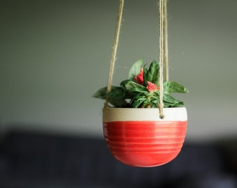 CERAMIC HANGING PLANTER // hanging planter - succulent planter- air plant holder - hostess gift - modern hanging planter - poppy red - red