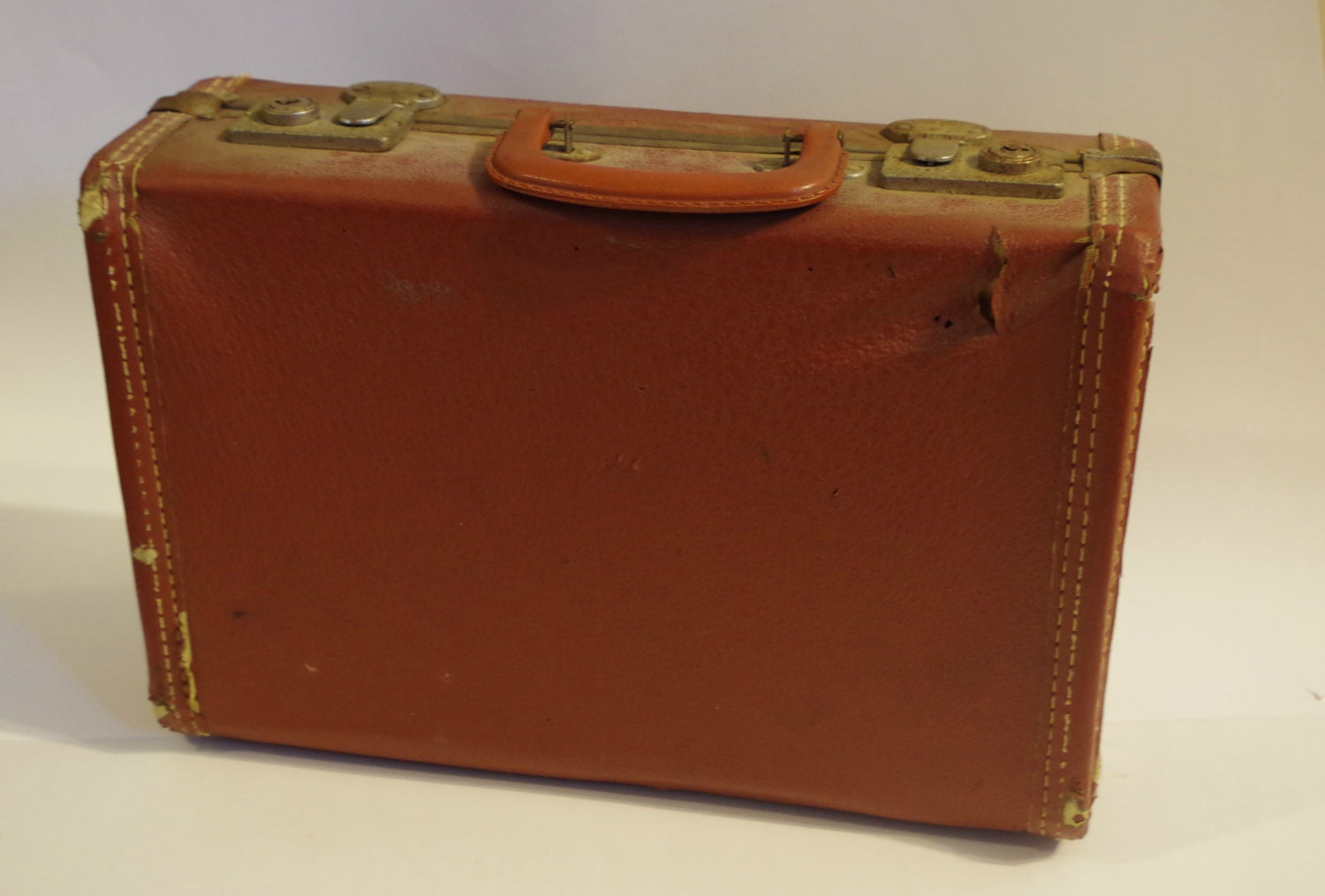 Vintage suitcase small brown suitcase by simpletreasury for The vintage suitcase
