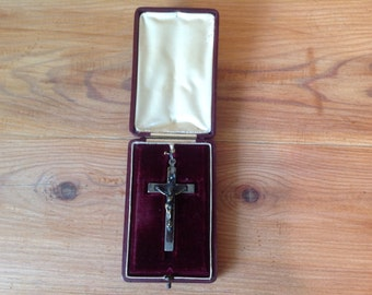 Vintage JESUS crucifix / cross pendant in its original setting