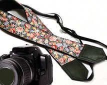 InTePro Tiny Flowers Camera strap.  Roses camera strap.  DSLR / SLR Camera Strap. Camera accessories.