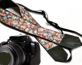 Tiny Flowers Camera strap.  Roses camera strap.  DSLR / SLR Camera Strap. Camera accessories.
