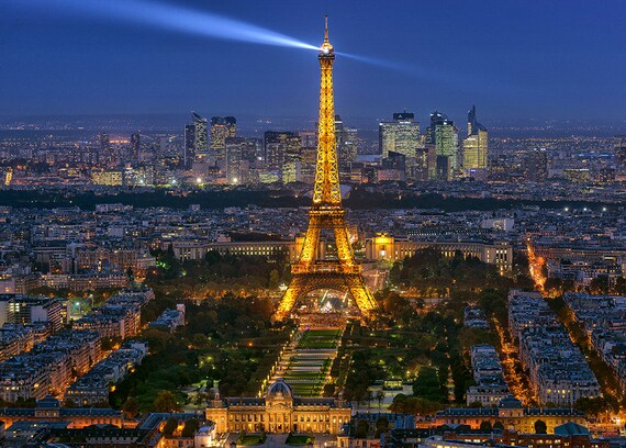 Dame de fer la tour eiffel paris ville de lumi re for Paysage de ville