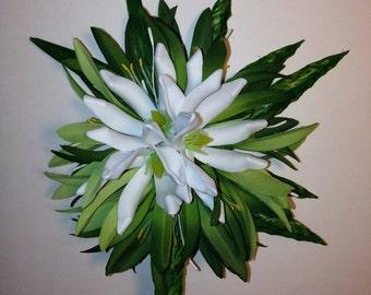 TIARE TAHITI-Tropical flower hair clip.White Tiare,Island Brides,Hula flowers,Proms,Pinups hair clip,Beach wedding,Hawaiian headpiece,Tahiti