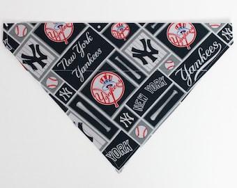 New York Yankees Dog Bandana, Dog Scarf, no tie bandana, slip on bandana, pet bandana, doggy scarf , scarf for dogs