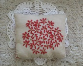 Primitive Christmas Flower Pillow, FAAP, OFG, HAFair