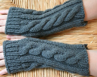 Kate's Cable-Knit Fingerless Gloves in Dark Grey / Fingerless Mitt / Wrist Warmer/ Arm Warmer