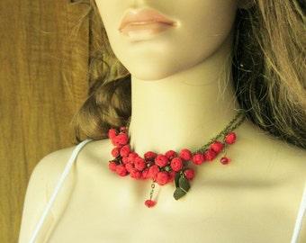 Amalia handmade necklace red flowers