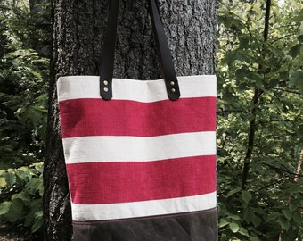 Large screen printed random striped tote.