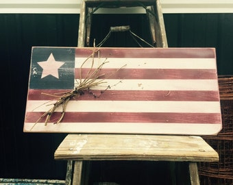 American flag sign. Patriotic wooden sign. Americana decor. Rustic decor. Distressed signs. Wooden signs. Patriotic decor. Fouth of July