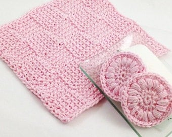 Crochet washcloth and cotton pads