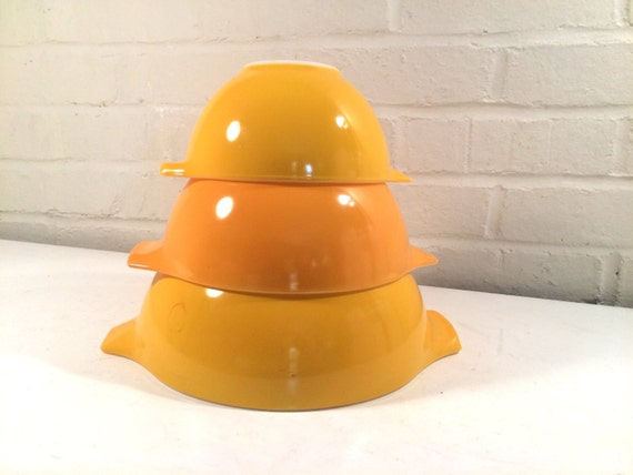 Vintage Yellow/Orange Pyrex Cinderella Bowls Pryex 441