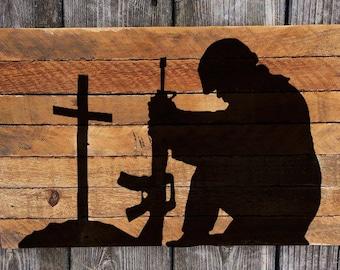 Military Kneeling Soldier / Fallen Soldier / Memorial Day / Hand-painted Reclaimed wood wall art