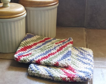 crocheted potholders or hot pad
