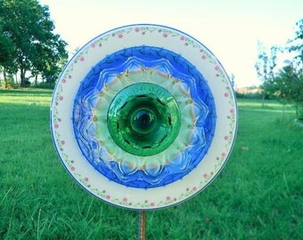 Blue Glass Garden Flower, Glass Garden Art, Garden Art, Glass Art, Glass Plate Flower,Suncatcher