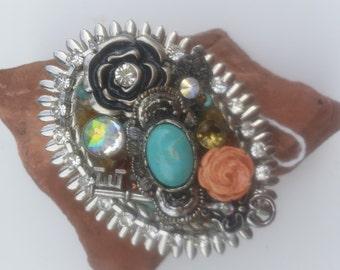 Ornate Oval belt buckle