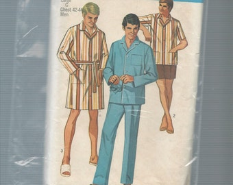 Simplicity 8369 Men's Pajamas and Sleepcoat Size Large Chest 42-44