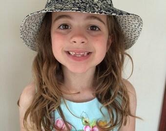 Reversible sun hat