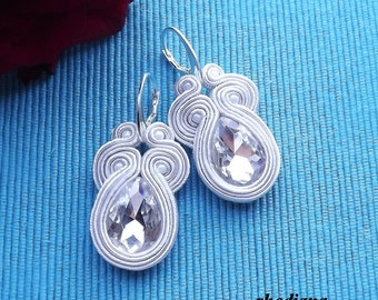 Short Ecru soutache  earrings