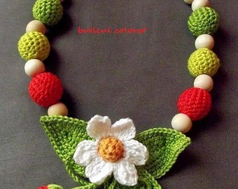 Babywearing necklace, nursing necklace, crochet beads necklace, strawberry necklace, strawberry flower crochet, mommy gift, baby friendly
