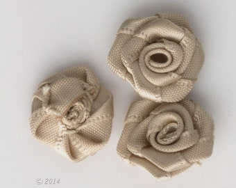Vintage hand sewn satin roses, 14mm diameter, package of 10. b10-0390(e)