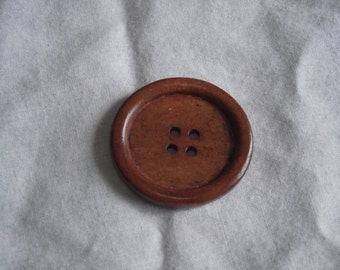 Red-brown Wood Button, 35mm