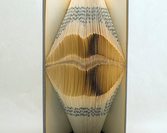 Book folding Pattern for LIPS - kiss - mouth - gift for wedding - DIY - Tutorial -Handmade T66-180