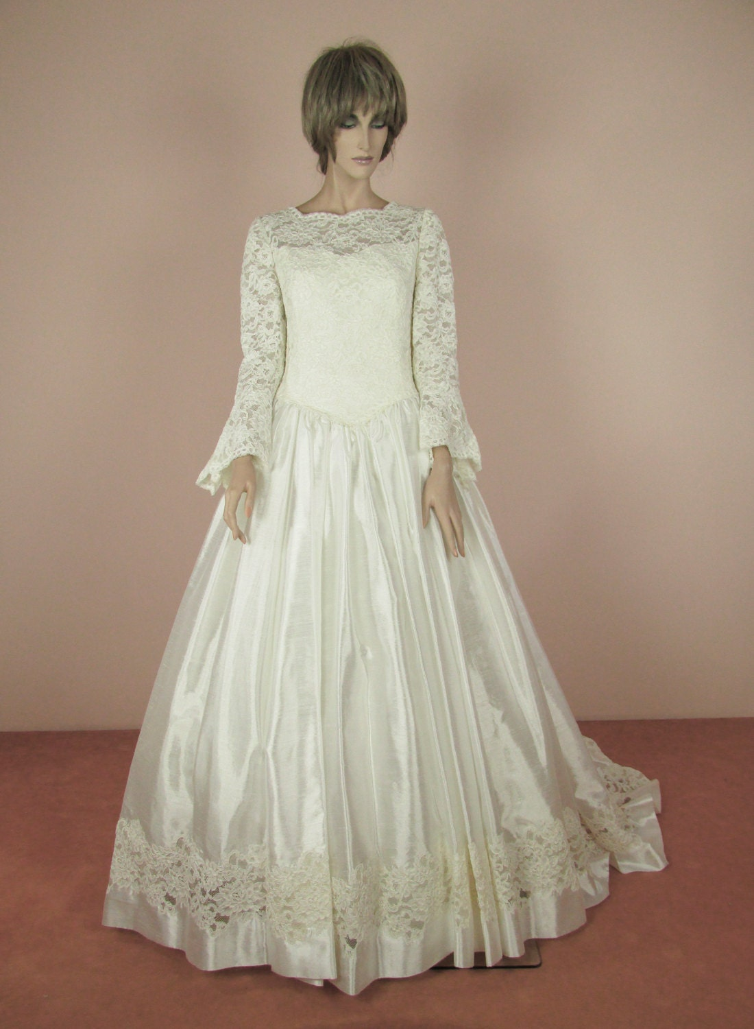 vintage wedding dress 90s bridal gown from 1990s lace