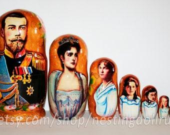 Nesting dolls Romanov family. Russian imperial family matryoshka babushka doll - kod987