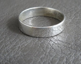 FREE SHIPPING - minimalist shiny men's ring - Simple minimal polished silver mens ring - Sterling silver minimal men's band ring - men ring