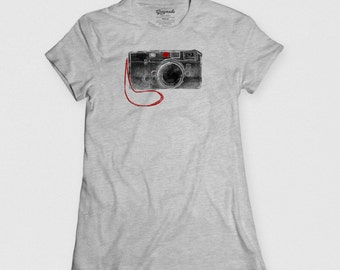 Gift for Artists. Photographer & Camera Rangefinder Photography Tee Shirt - Gifts for photographers, camera lovers, artists. Camera Tee