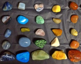 Large-Set of 7 Healing Chakra Stones, hand chosen for you!