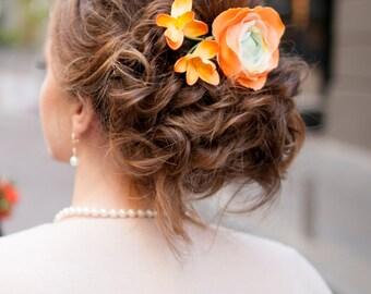 Orange wedding hair clips Orange flowers hair brooch Ranunculus flower hair clips Buttercup flower Bridal hair clip Fancy hair clips Freesia