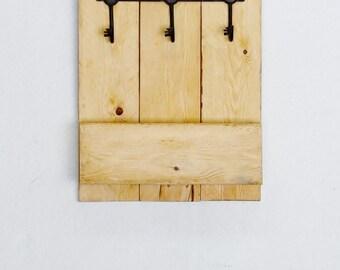Natural Wood Key and Mail Organizer