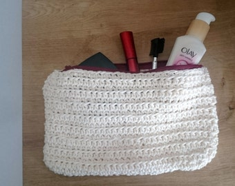 cosmetic make up bag with zip crochet pattern