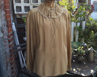 Pure silk beige shirt, vintage. Excellent condition.