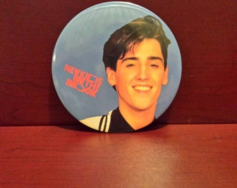 New Kids On The Block * GIANT BUTTON PIN *