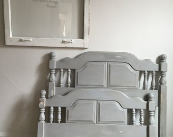Hand Painted Gray Vintage Head/Footboard (Twin)
