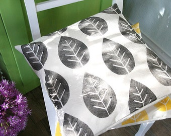 Pillowcase pillow cover leaves black