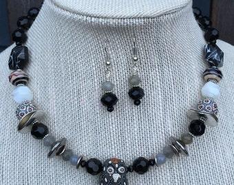 Mr. Hoot Owl Samunnat clay bead necklace set