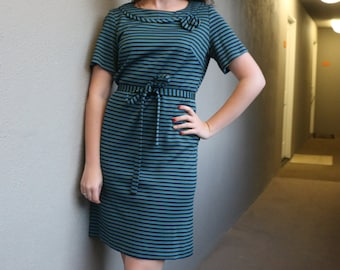 SALE: Vintage Shift Dress with tie belt in blue and green